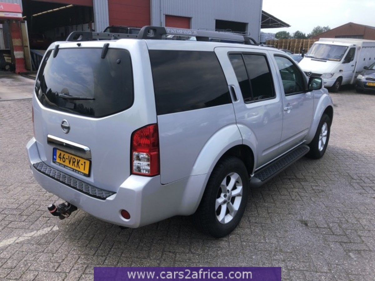 NISSAN Pathfinder 2 5 Dci #66333 - used, available from stock