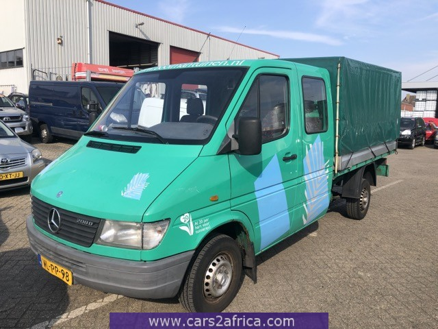 MERCEDES-BENZ Sprinter 208 D