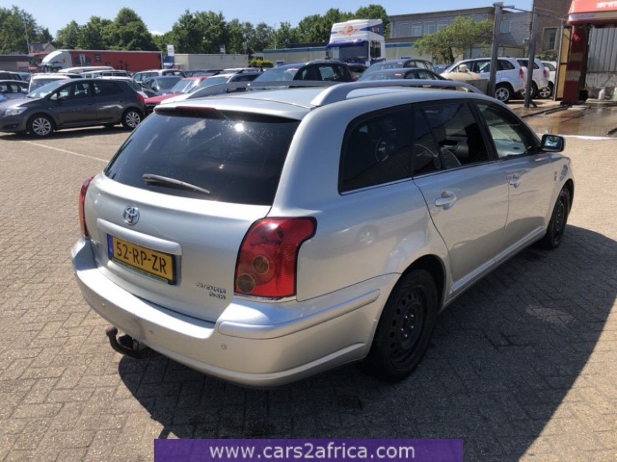 TOYOTA Avensis 2 2 D-CAT #67857 - used, available from stock