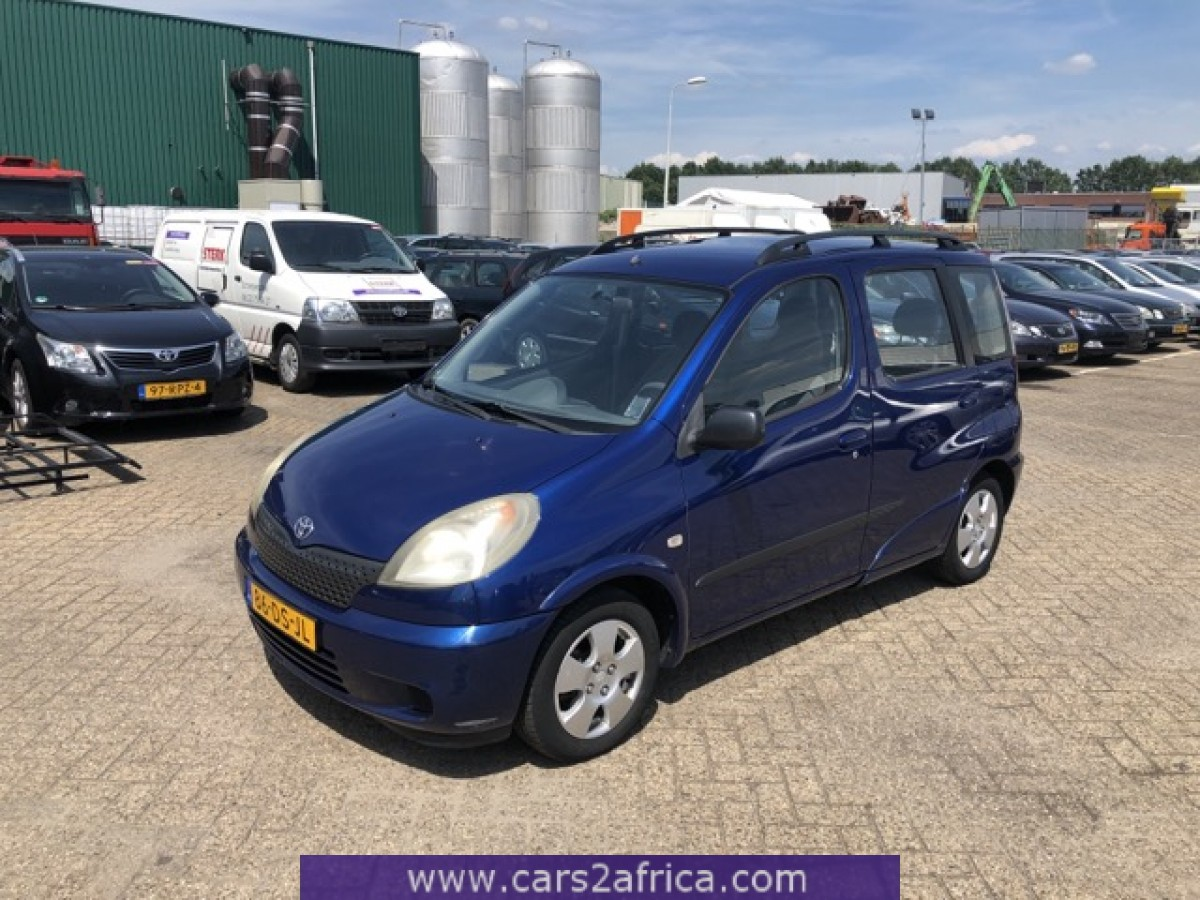 Toyota Yaris Verso 13 67965 Used Available From Stock