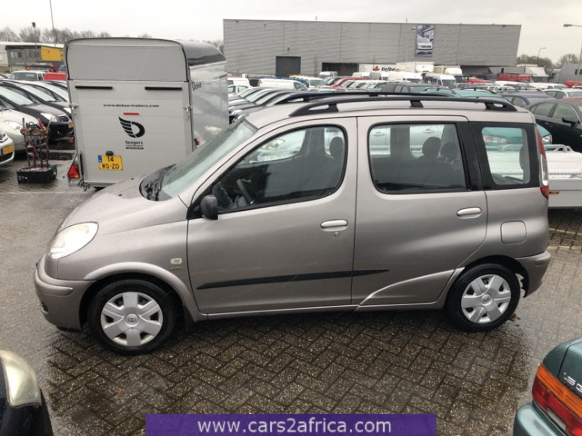 Toyota Yaris Verso 1 5 68796 Used Available From Stock